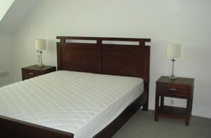 Sheares Gate Private Bedroom w/Double Bed